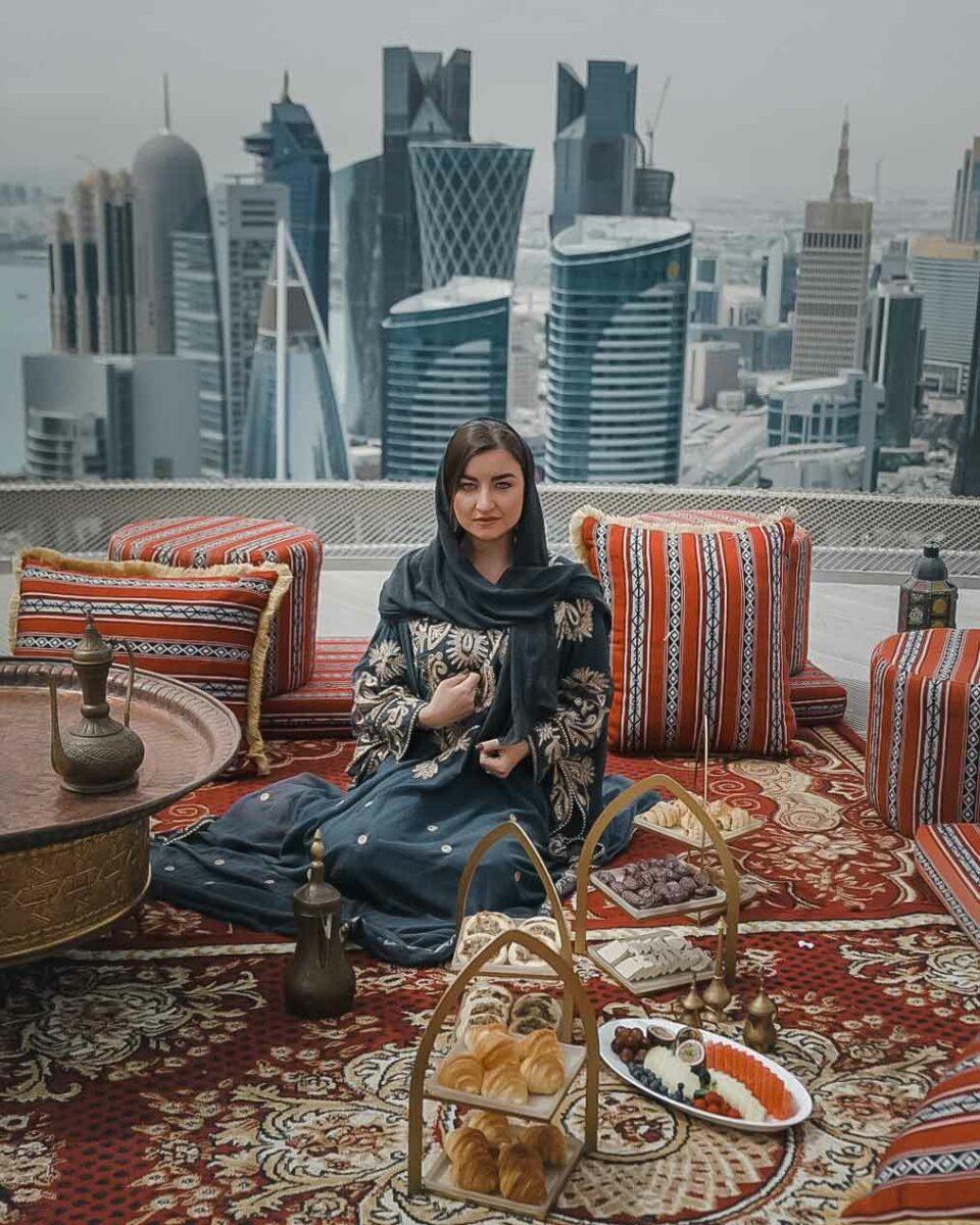 Elona Karafin The traveller Influencer
